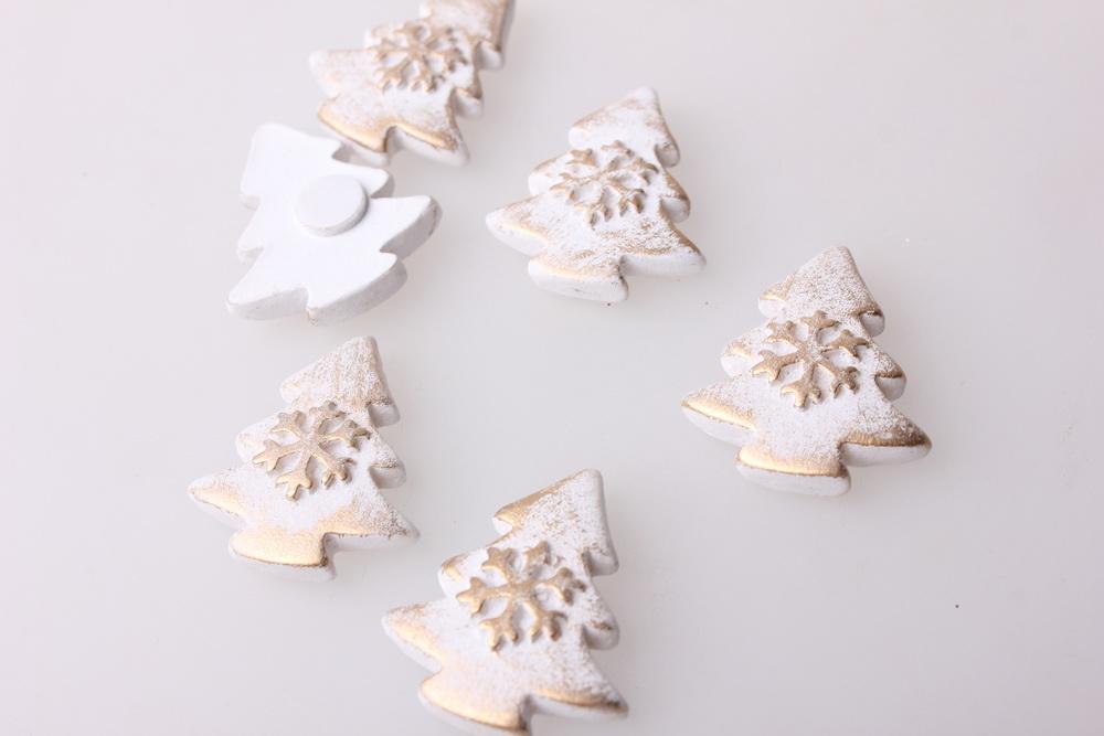 Радуга-МСК Декор своими руками - Украшение подарков на Новый Год 2014 - 4080 Липучка Елка с снежинкой белая-золото (12шт в уп),