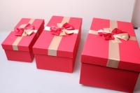 """Набор подарочных коробок из 3шт """"Прямоугольник бежевый/красный с бант"""" 40*22*15см"""
