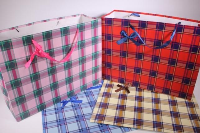Подарочные пакеты - Сумка Люкс  Клетка розовая - красная - голубая  (41*37*15см) микс  (12 шт/уп) 87L