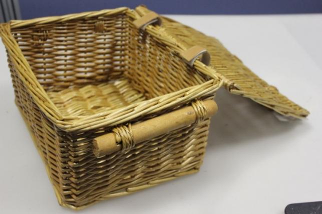 Сундук прямоугольный с ручками, плетеный  25х19, h=12см  YM-120601