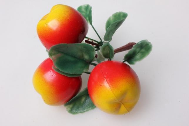 Яблоки крупные искусственные на ветке