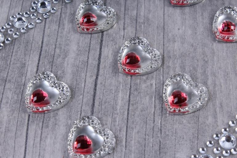 Стразы  Сердца+полоски красные 15мм  13шт  DZ561R  2925