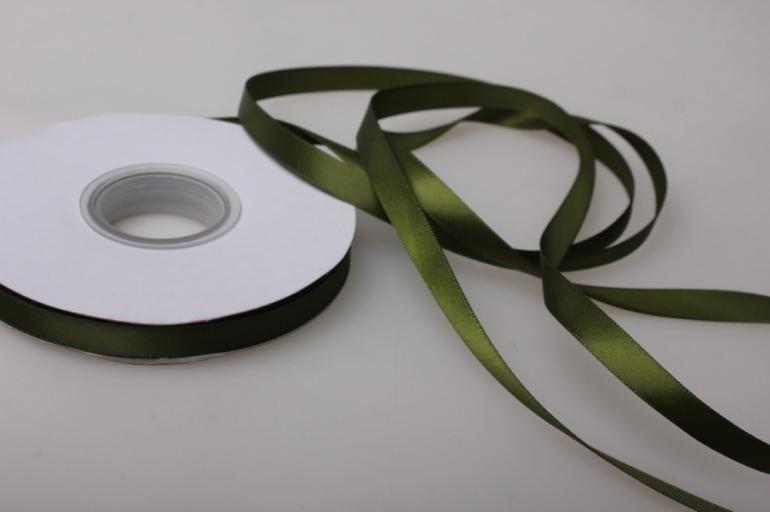 153 лента атласная 9мм 45м  тёмно-зеленая - китай