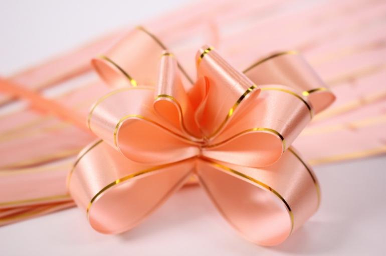 бант из ленты - бант-бабочка 18х390мм (золотая полоса) персик (10 шт.)