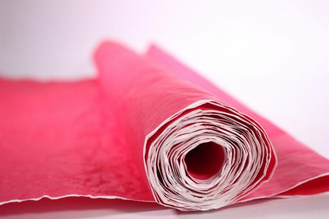 бумага жатая, однотонная, 70-75см/5я (малиновая, 494)