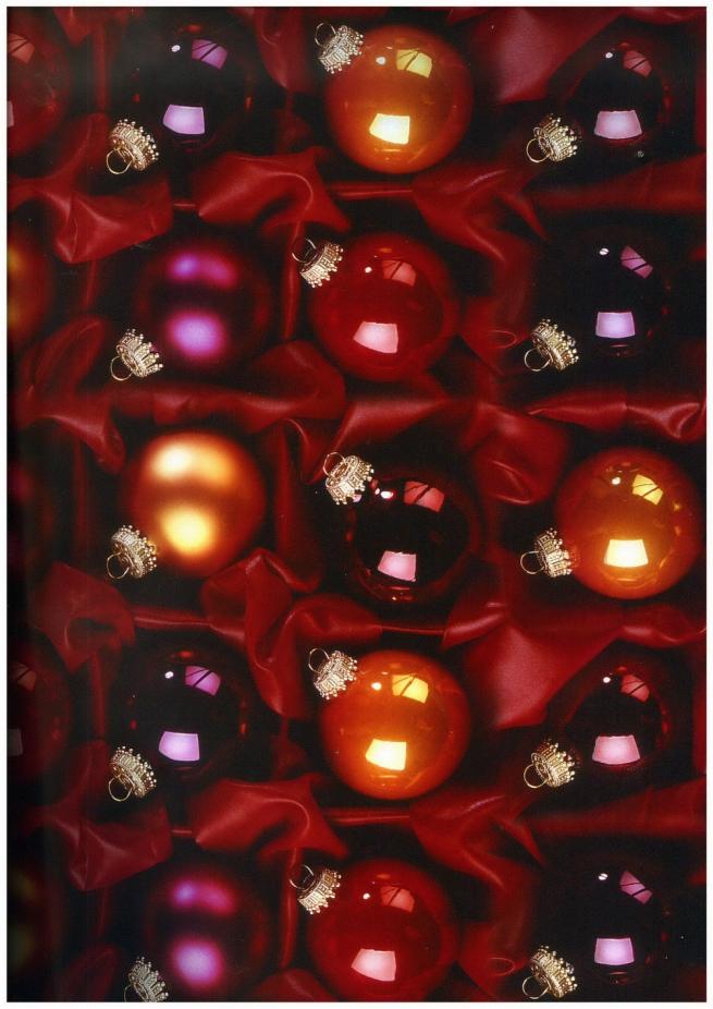 """бумага подарочная глянец """"новый год. шары на красном"""" 0,7х1м в листе (10 листов)"""