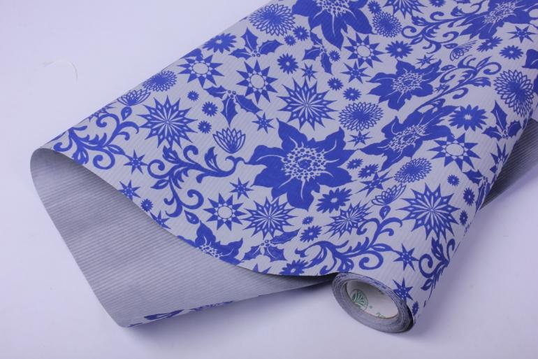 бумага  рифленая в рулоне синие цветы на серебрянном  50см*10м   106912