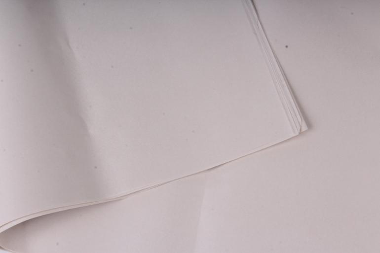 """Бумага тишью 50*76см №005 Кремовый """"Италия"""" в листах 18гр 10 листов"""