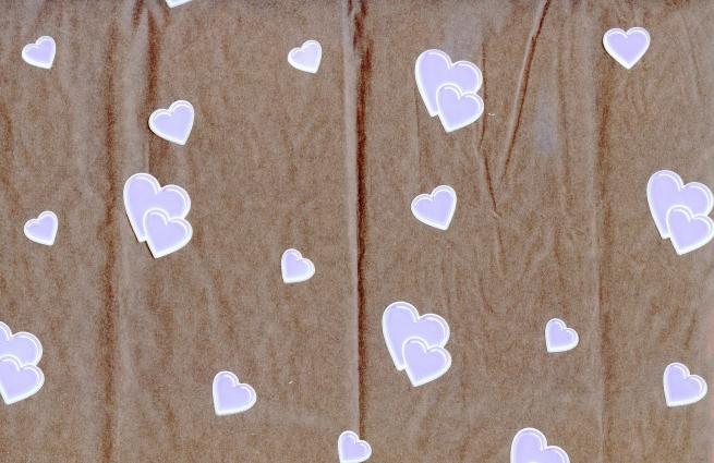 сердца 0.7 цветочная плёнка - рулон 0,7 сердечки (240гр) сиренево-белый 5884