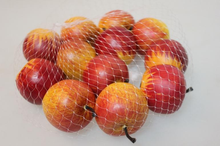 искусственные фрукты декоративные искусственные фрукты - 8140 яблоки в сетке 6,0 см красные (12 шт в уп.) 7101