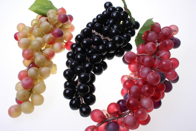 искусственные фрукты декоративные искусственные фрукты - виноград гигант в ассортименте 6010