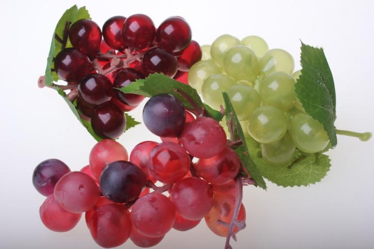искусственные фрукты декоративные искусственные фрукты - виноград разноцветный размер большой 1734