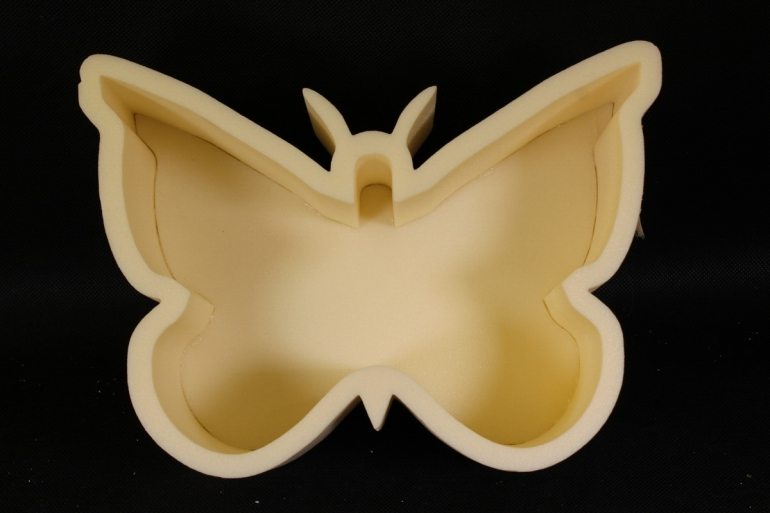 Форма-коробка пенопласт для цветов Бабочка (бежевая)