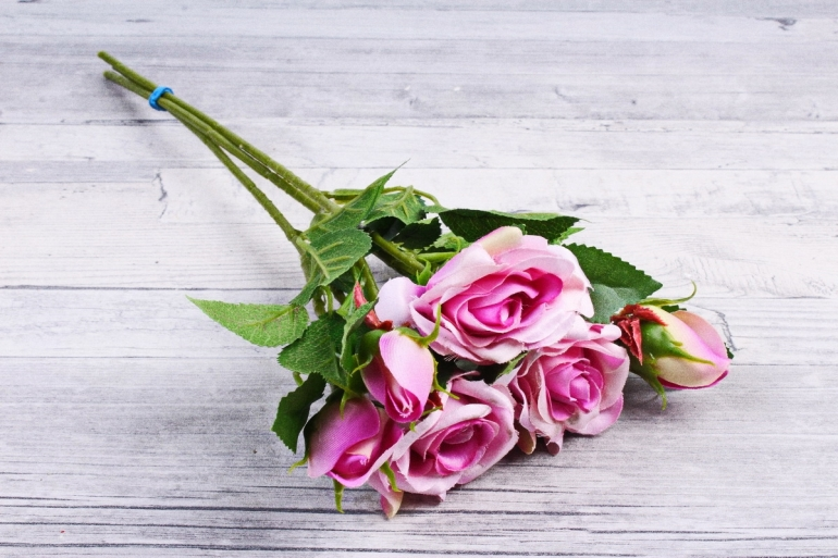 Искусственное растение - Ветка Розы 35см сиреневая (3 шт в уп) SUN452