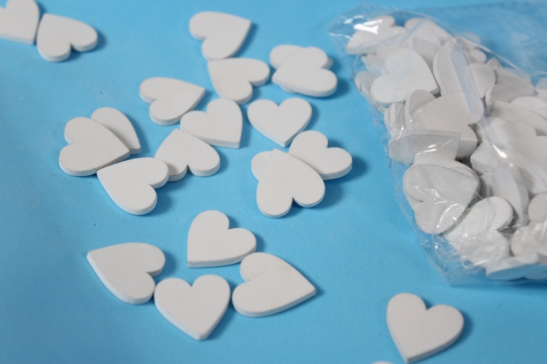 липучки декоративные - сердца дерево белые 2см (80шт) - код 2907