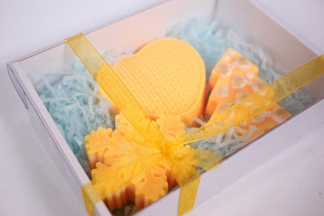 мыло (набор из 3х шт) ёлочка, сердечко и снежинка (желтый) ручная работа