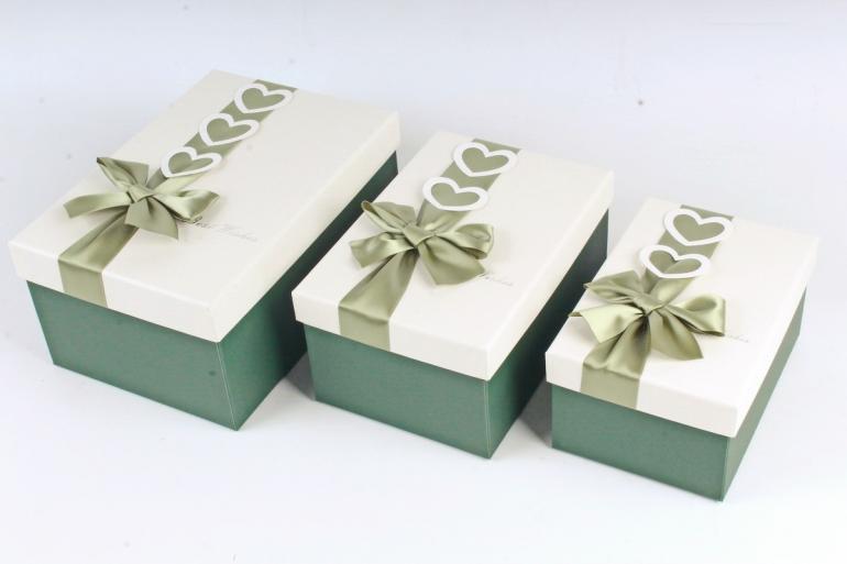 Набор подарочных коробок из 3шт - Прямоугольник зеленый бант с сердцами  К747