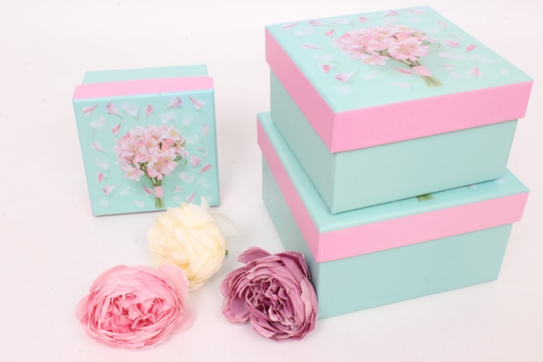 """Набор подарочных коробок из 3шт -    КВАДРАТ """"Цветы на голубом"""" 12*12*7см SY2269-429"""