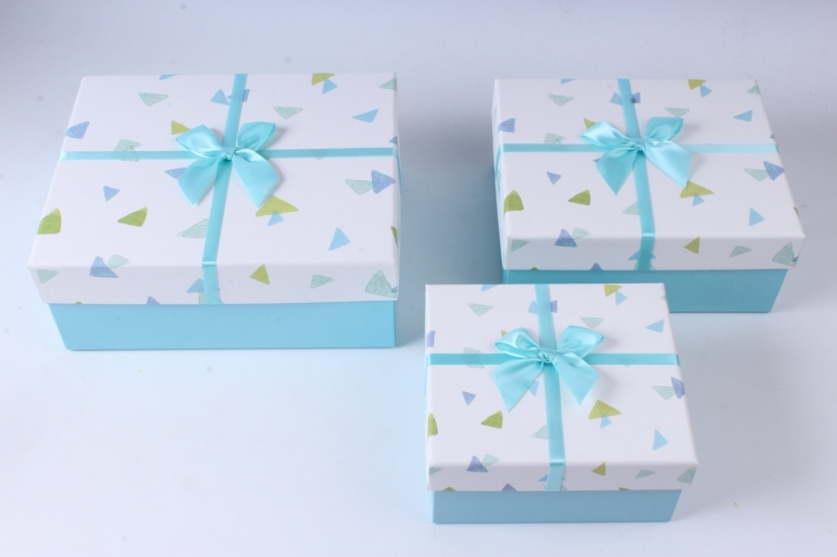Набор подарочных коробок из 3шт- Прямоугольник Треугольники разноцветные   К744