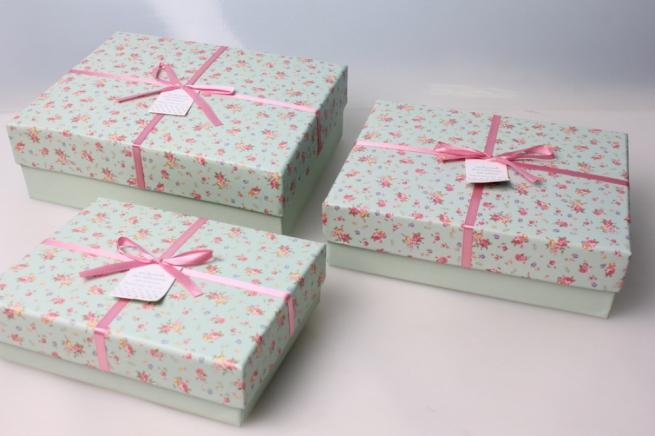 подарочные коробки, продаются набором.