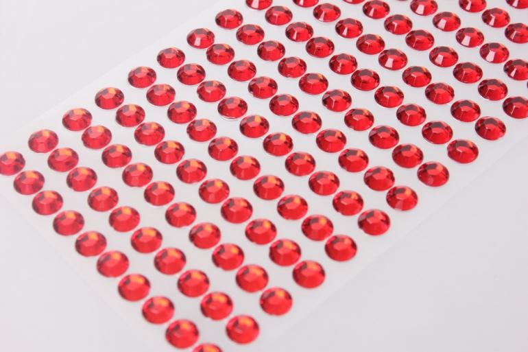 стразы граненые круглые красные на липучке  8мм 140шт