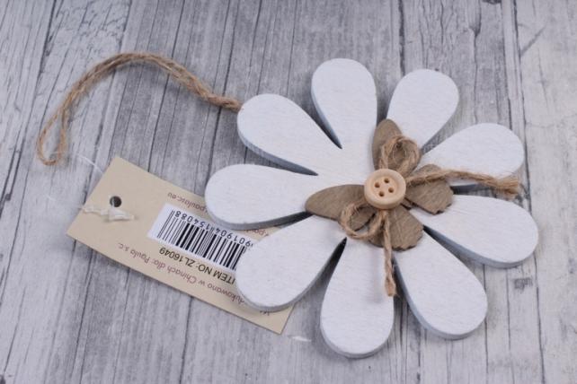 Подвеска из дерева Цветок, бабочка, пуговка  10*10см ZL16049  4088