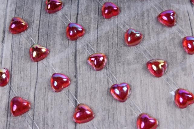 Наклейки Сердца красные перламутр 10мм 60шт DZ768  9007