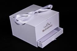 Подарочная коробка одиночная - Шкатулка с ящиком и бантом белая