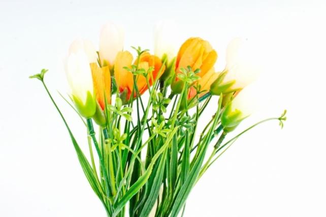 Искусственное растение -  Крокусы с осокой бело-персиковые