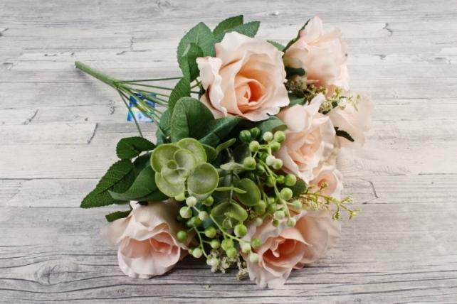 Роза с гофрированными лепестками светло-розовая