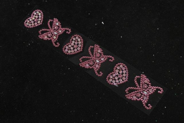 Стразы бабочки с сердцами розовый на листе  6шт DZ646  1392