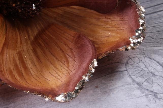Магнолия ЦВЕТОК-бутон Карамель с блестками (3шт в уп)  FME071722