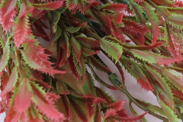 искусственное растение - ветка росянки терракотовая