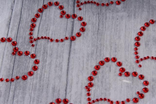 Стразы Сердца контурные красные 30мм 8шт DZT4  7458