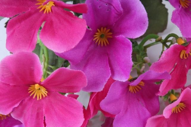 Искусственное растение - Фиалки малиновые