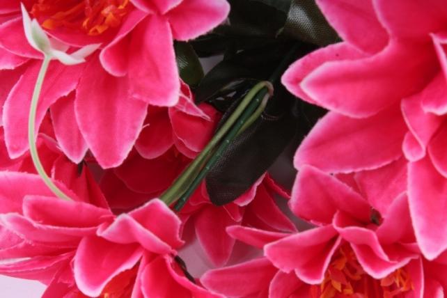 Искусственное растение - Герберы малиновые