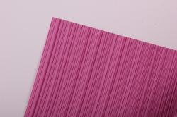 Бумага  рифленая в рулоне Полоски малиновые   50см*10м 131002 50/10 151522