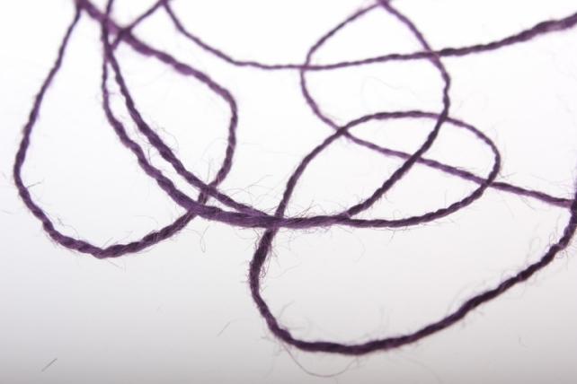 аксессуары для флористов - лента текстильная - шнур натуральный джутовый в ассортименте 100гр аксессуары для флористов - лента текстильная - шнур натуральный джутовый в ассортименте 100гр - фиолетовый 2223