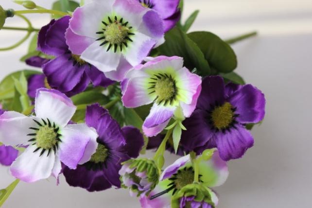 анемоны бело/сиреневые букет - цветы искусственные