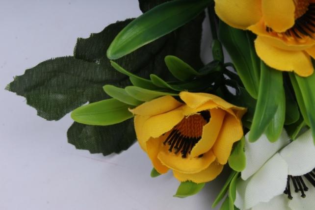 анемоны букет бело-жёлтые 35см