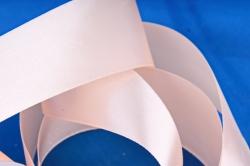 Атласная лента, в катушке (картон) гладкая, односторонняя, 38mm x 25m, Персиковый М, К