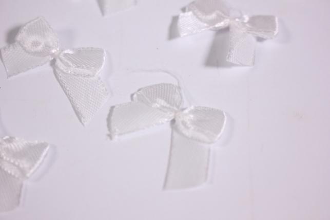 бант атласный 3х2см белый (10шт в уп)