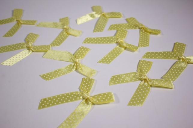 Бант атласный 6х7см желтая точка (10шт в уп)