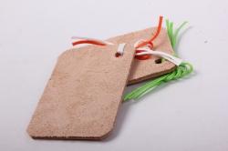 бирка из натуральной кожи  «с днем рождения», декор бант из вощеных шнуров