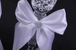 """бокалы свадебные  """"белые с сердцем""""  (2шт в уп)"""