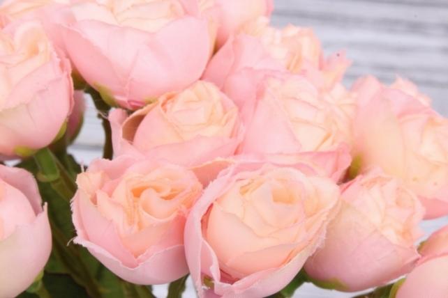 Букетик кустовых роз розовый. 27 см.