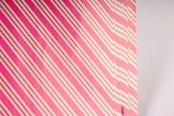 Бумага Глянец (И) Трехполоска малиновая 70*100см 78г/м2 (10шт в уп) В121