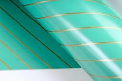 Бумага Глянец (И) Золотая полоса зеленая 70*100см 78г/м2 (10шт в уп) В121