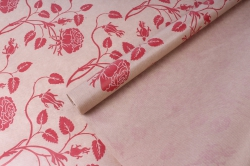 Бумага  крафт цветочная Вьющиеся розы красные 72см*10м  40г/м2    33784ПУ   М