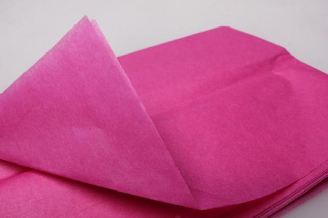 бумага  тишью малиновая 76х50см  (10 листов в уп)